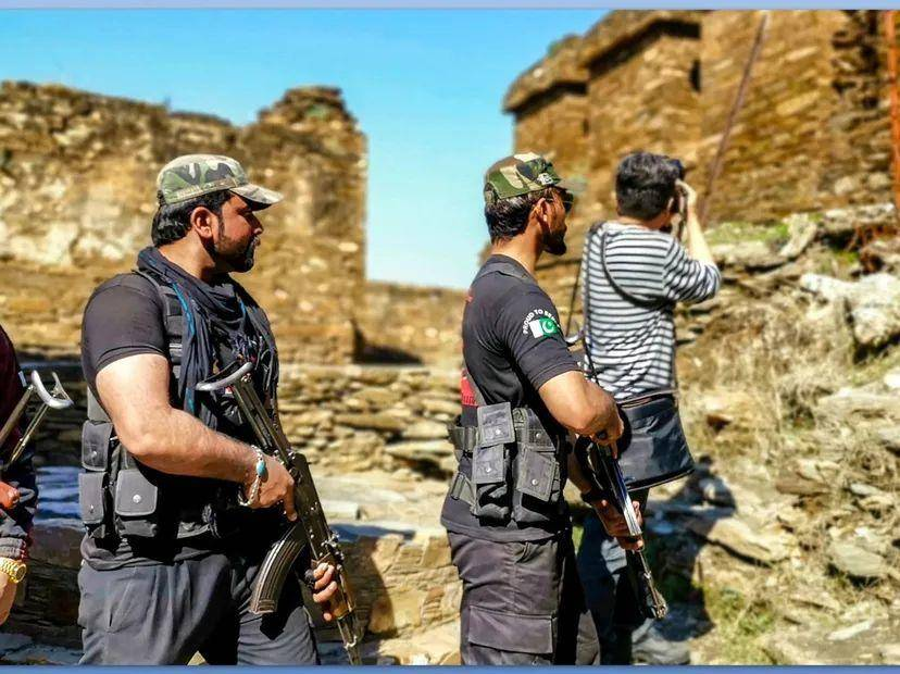 陳志文在巴基斯坦拍攝城墻。受訪者供圖
