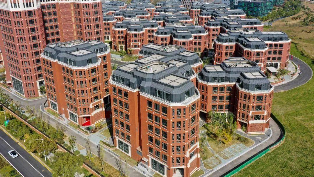 江宁高新区的MAX科技园近期基本建成,50余家企业总部入驻。南报融媒体记者 冯芃摄