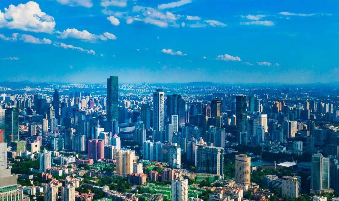 现代化的南京城。南报融媒体记者 冯芃摄