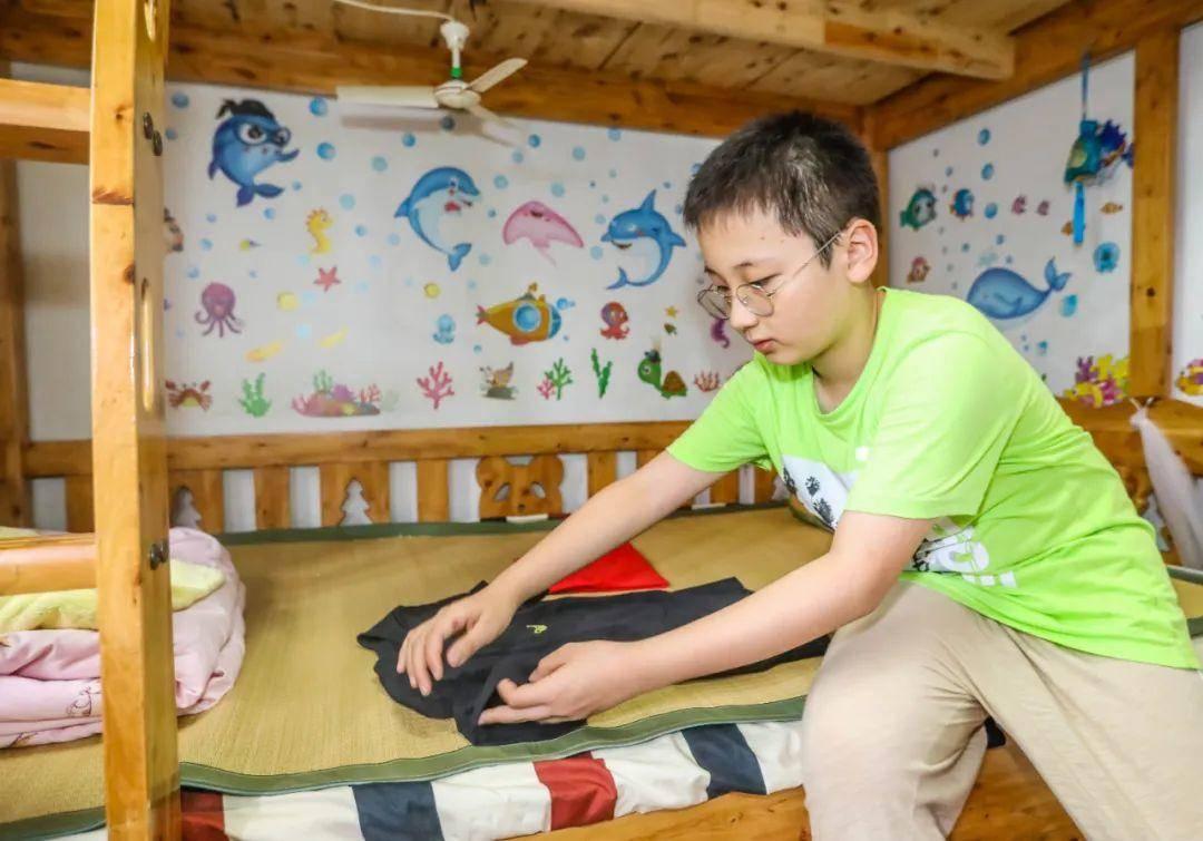去年暑假,南京市考棚小學每個年段的學生設計了適合他們的勞動作業,通過每天打卡的形式,記錄自己勞動的點滴。通訊員 張穎 南報融媒體記者 董家訓攝